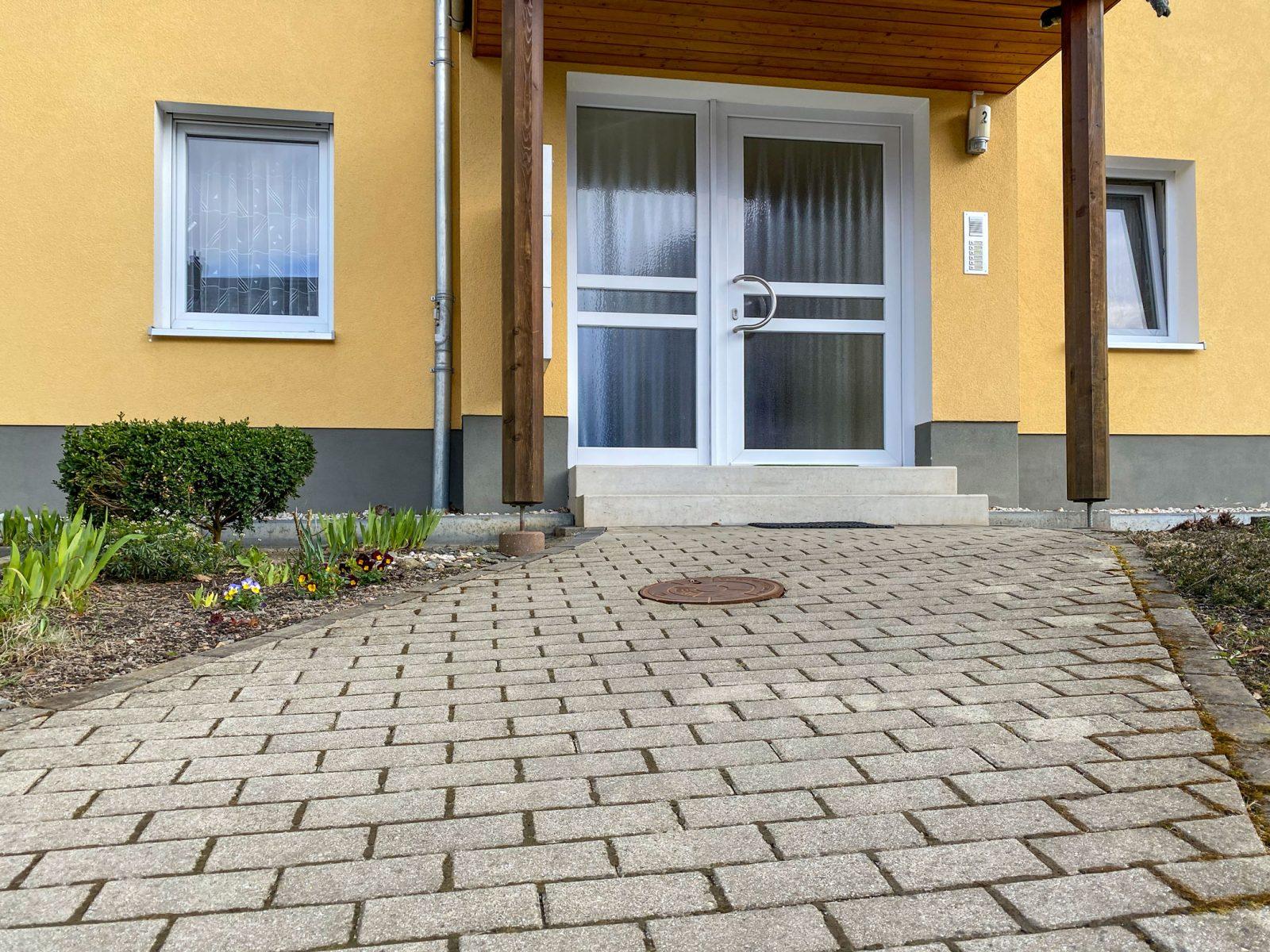 MFH-ZR-Betonpflaster-Mehrfamilienhaus-ETA_0296